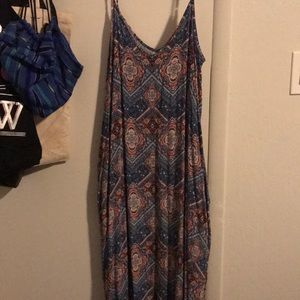 Maxi dress no slit on legs with pockets